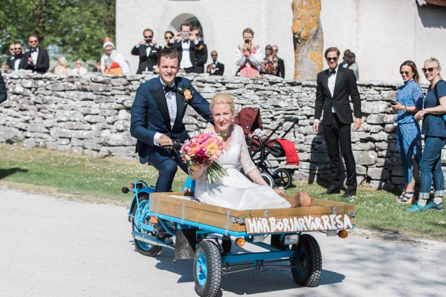 Bröllop på Fårö, flakmoppe på bröllop