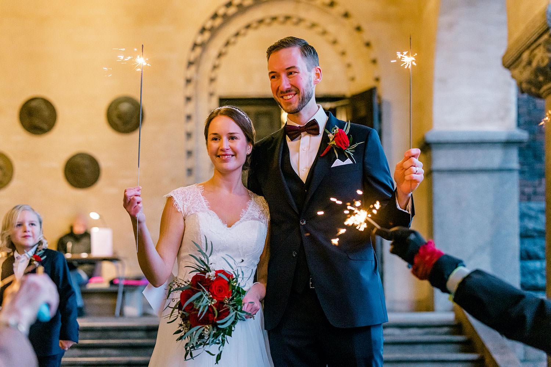Vinterbröllop med tomtebloss Stadshsuet