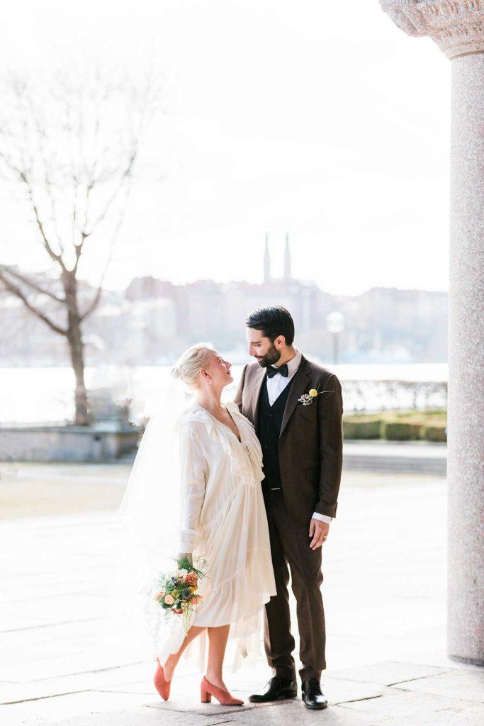 Brudpar i Stadshuset i Stockholm