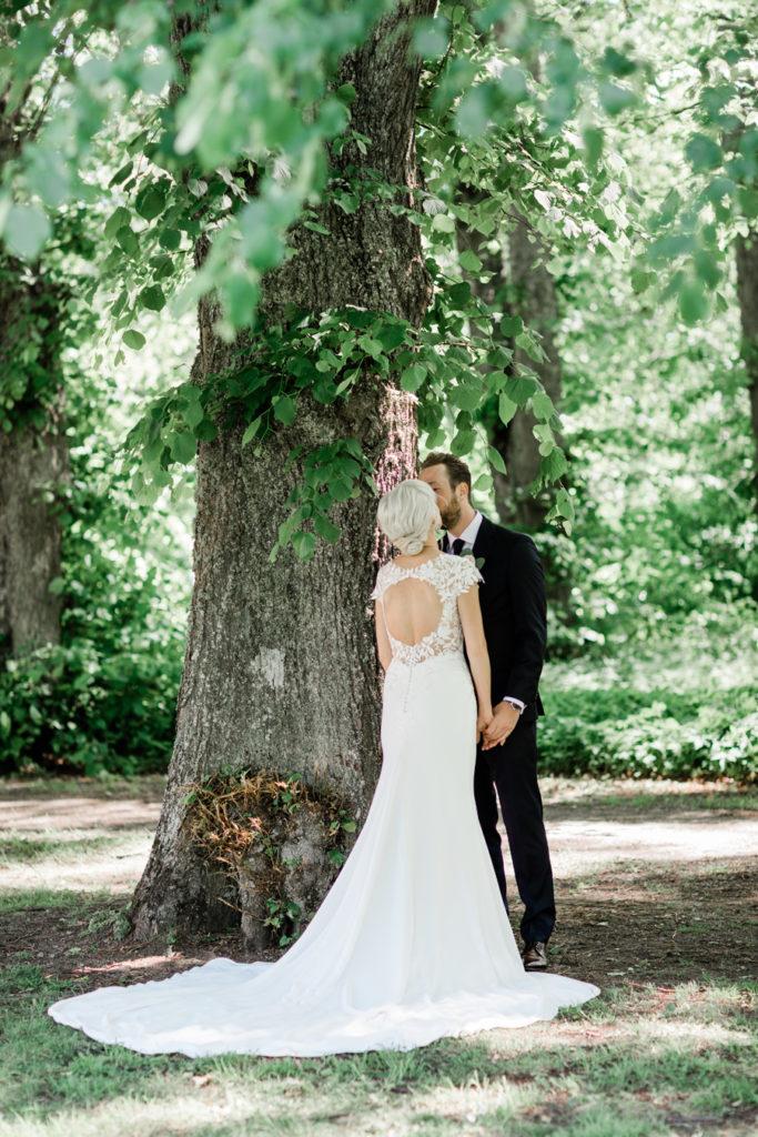 Bröllop på Rånäs slott, Bröllopsklänning, Milagro